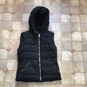 Zara Trafaluc Black hooded puffer zip vest Small
